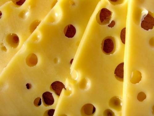 Namirnica koja podiže raspoloženje: Znate li zašto švicarski sir ima rupe?