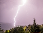 FOTO: Munje noćas 'parale' nebo iznad Rame