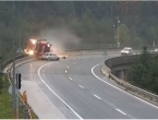 Slovenija: Kamion pao s nadvožnjaka, vozač poginuo