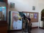 Islamisti upali u crkvu, oteli svećenika i nekoliko vjernika te razbijali kipove