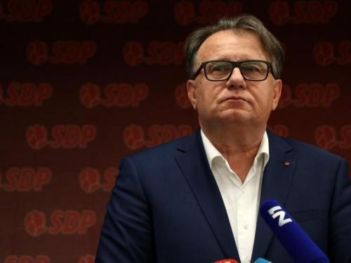 Nermin Nikšić izabran za predsjednika SDP-a