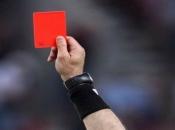 Crveni karton za kašljanje u smjeru suparnika ili suca