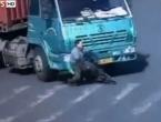 VIDEO: Pregazio ga kamion a on neozlijeđen!