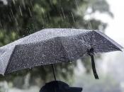 Pretežno oblačno sa slabom kišom