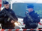 Pariški napadač s nožem bio duševni bolesnik, u torbi mu pronašli Kuran