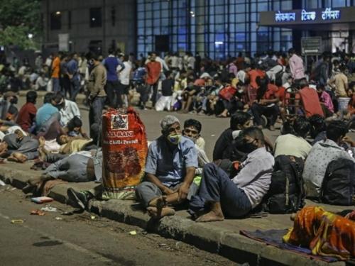U Indiji novi rekord novozaraženih, ljudi bježe iz gradova