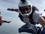 Padobranac ostao bez svijesti na 3500 metara visine, spasili ga kolege