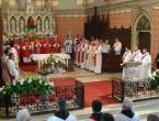 Puljić zaredio šest đakona za svećenike