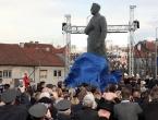 Zagreb: Otkriven Tuđmanov spomenik