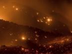 Vatra guta sve pred sobom: Požar u Kaliforniji ubio dvoje ljudi i prijeti gradu
