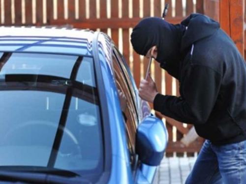 Jablanica: Otuđio auto usred dana, pa ga policija privela pomoću video nadzora