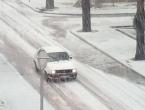Olujno nevrijeme: Dok svi čekaju snijeg, Trebinje jutros pogodio grad!