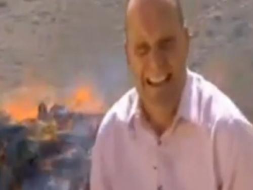 Izvještavao kraj hrpe zapaljene droge, a njegova reakcija nasmijala je svijet