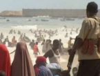 Somalija: Automobil bomba eksplodirala, napadači pucaju na ljude po plaži