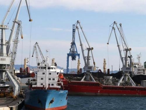 Luka Ploče:Tanker udario u dok, šteta milijunska