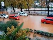 Nevrijeme razara Hrvatsku: Gradovi pod vodom, stvaraju se bujice...