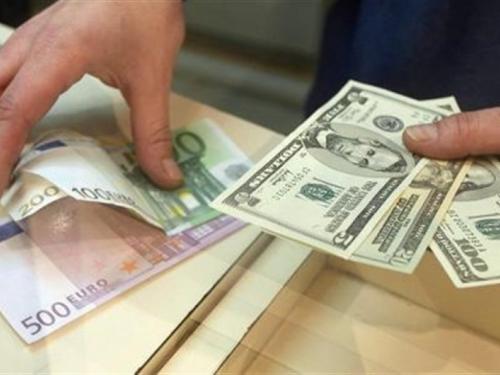 Euro u odnosu na američki dolar ojačao za više od 14 postotnih bodova u 2017.