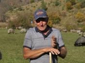 Video: Zahvaljujući ovcama Goran othranio sedmero djece