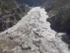 Indija: Strahuje se da je 100-150 ljudi izgubilo život nakon što se odlomio ledenjak