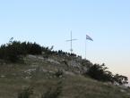 FOTO| Gmićani podigli križ na Makljenu