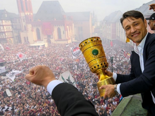 Spektakularan doček za Niku Kovača i igrače Eintrachta