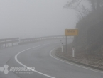Stanje na cestama: Mokri kolnici, magla i odroni