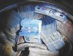 Policija u perilici pronašla 350.000 eura