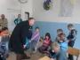 FOTO: Učenici s piscem Vladom Kudićem obilježili Dan dječje knjige