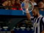Higuain navijačima Barcelone na odlasku pokazao ''srednjaka''