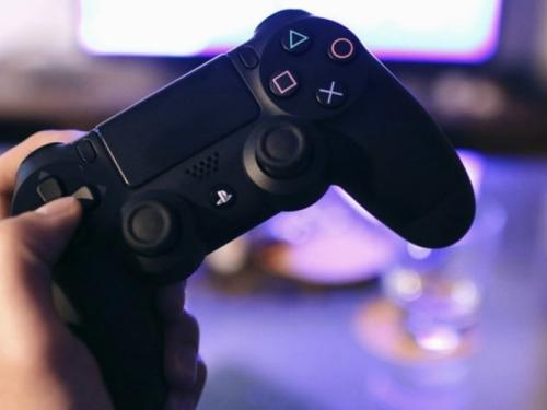 Klinci obožavaju videoigrice, samo je pitanje kako im omogućiti da igraju sigurno