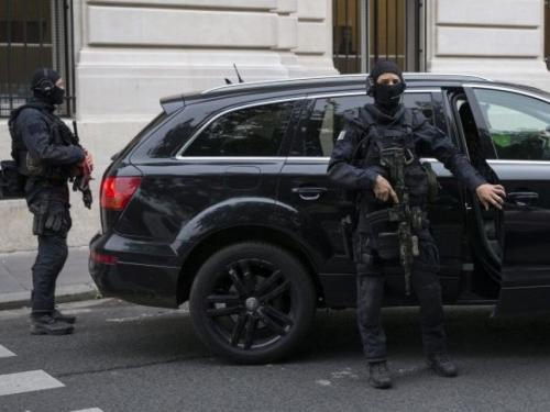 Nizozemska policija uhitila terorista s kalašnjikovom