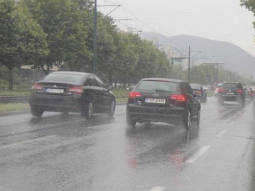 Smanjena vidljivost zbog magle, usporen promet na više dionica