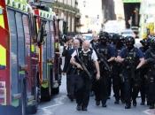 Teroristički napad u Londonu, troje ljudi izbodeno, policija upucala napadača