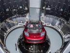 Elon Musk u svemir šalje električni automobil