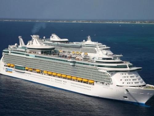 Panika zbog koronavirusa, 6000 ljudi ne može napustiti brod