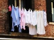 Ustavni sud RS: Sušenje rublja na štrikovima je nezakonito