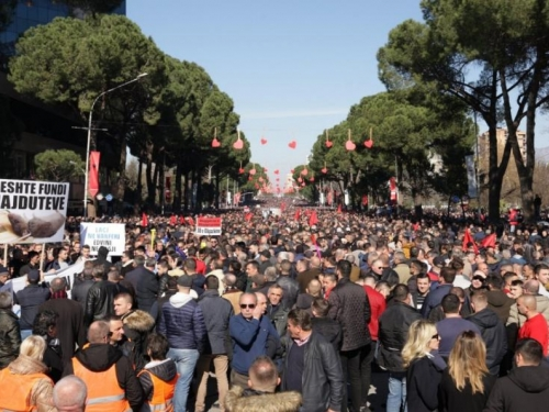 Albanija na nogama