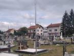 Sa spomenika poginulim braniteljima skinuta zastava hrvatskog naroda