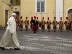 Vatikan na oprezu: Spremni smo obraniti Papu