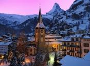 Švicarska: Blokirano skijalište osiguralo helikopter za goste koji žele otići