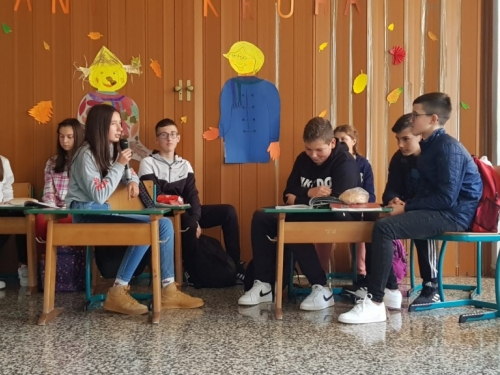 FOTO: Dani kruha u OŠ ''Ivan Mažuranić'' Gračac