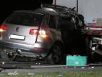 Zabili se u kamion: Izvukli ih žive iz smrskanog automobila