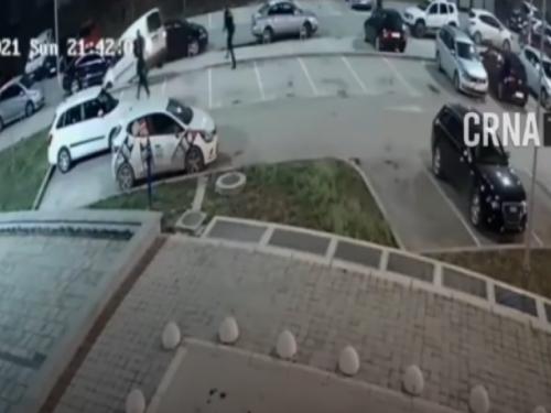 VIDEO  Migrant ukrao automobil, policajci trčali za njim