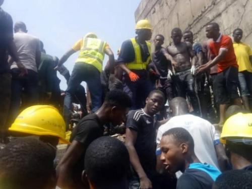 Tragedija u Nigeriji: Srušila se škola, velik broj osoba pod ruševinama