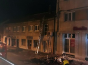 Požar u središtu Livna satima gasilo sedam vatrogasaca i dvoje volontera