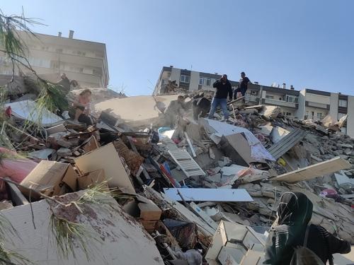 Snažan potres pogodio Grčku i Tursku: U Izmiru se urušile zgrade