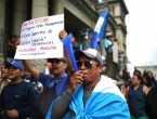 Svaki treći Latinoamerikanac je plaćao mito: Policija i političari najkorumpiraniji