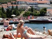 Neum zbog problema s granicom RH poziva turiste iz Srbije da ljetuju u toj općini