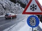 Ima leda na cestama, vozači oprez