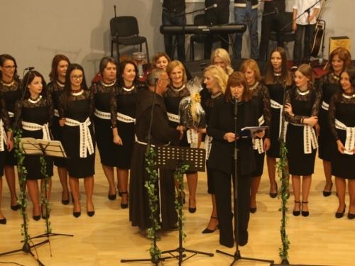 FOTO/VIDEO: Čuvarice održale 8. tradicionalni koncert u Prozoru